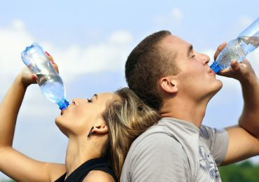 Six Reasons You Should Drink Water in the Morning